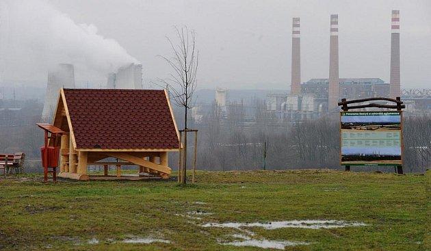 Z nové rozhledny, která se bude stavět v Hošťálkovicích, se návštěvníci budou moci podívat do kraje na jaře.