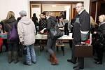 Poslední páteční volební přípravy na Nové radnici v centru Ostravy.