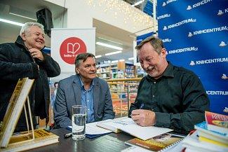 Snímek z besedy Davida Grubera o Základech správné komunikace v Knihcentru v Ostravě.