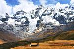 Pohoří Cordillera Huyahuash v Peru.
