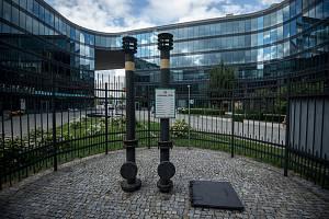 Odplyňovací, metanový komínek v areálu Karolina Park v Ostravě.