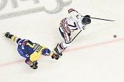 Utkání 32. kola hokejové extraligy: HC Vítkovice Ridera - PSG Berani Zlín, 4. ledna 2019 v Ostravě. Na snímku (zleva) Nosek David a Lukáš Kucsera.