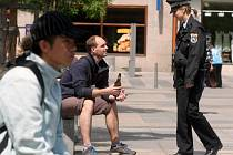 Městští strážníci jsou v centru Ostravy k popíjení alkoholických nápojů na veřejnosti nekompromisní