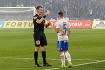 Utkání 18. kola fotbalové Fortuna ligy: FC Baník Ostrava - SFC Opava, 29. listopadu 2019 v Ostravě. Na snímku (vpravo) Adam Jánoš.
