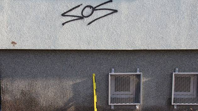 Sprejer má na svědomí třicet vandalských činů.