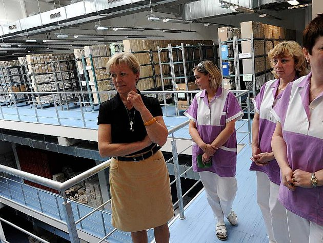 Čtyři kilometry spisů a 230 regálů – tak vypadá jedno ze tří pater nového archivu Městské nemocnice Ostrava.