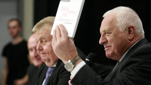 Bývalý prezident České republiky Václav Klaus ve Světě techniky v Dolní oblasti Vítkovic.