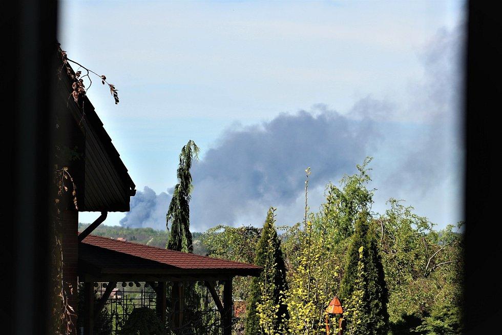 Černé nebe nad Ostravou. Takto mohli vidět požár v ostravské firmě lidé z Orlové.