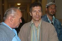 ŽÁDAL OMLUVU A ODŠKODNÉ. Vladimír Hučín požadoval omluvu a odškodné milion korun.