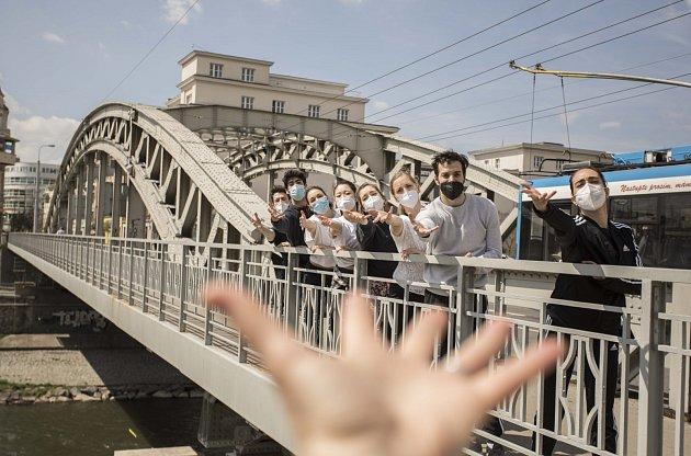 Akce Tančící mosty představí opět balet a soubor opereta/muzikál Národního divadla moravskoslezského vnovém světle.