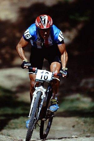Otec Radovan Fořt při olympijském závodě horských kol vAtlantě 1996.
