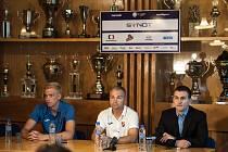 Tiskové konference před startem sezony se účastnili člen představenstva Matouš Hába, trenér A-týmu Radomír Korytář a kapitán Michal Frydrych.