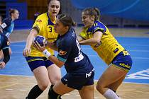 OPORA české reprezentace Petra Tichá (uprostřed) hraje po pěti letech znovu v dresu Sokola Poruba.