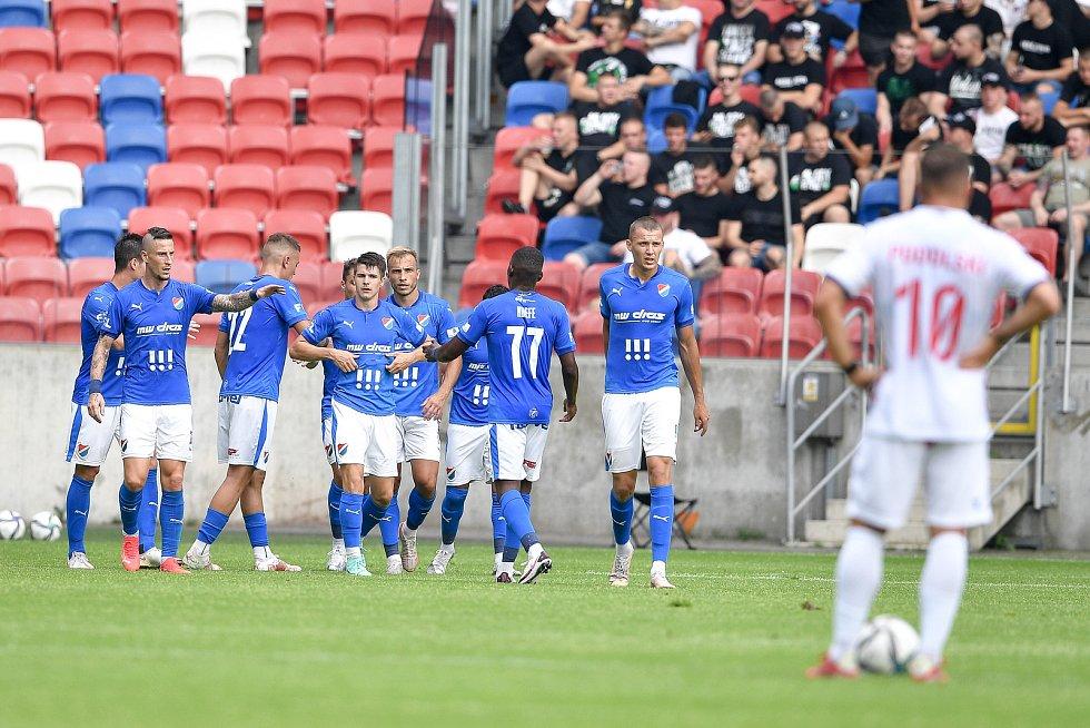 Přátelské utkání Górnik Zabrze - FC Baník Ostrava, 17. července 2021 v Zabrze (PL). (střed) David Buchta z Ostravy oslavuje gól.
