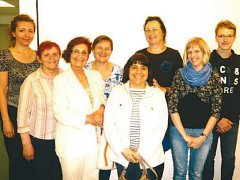 Skupinka dobrovolníků, která pravidelně navštěvuje pacienty v Bílovecké nemocnici. Dobrovolnictví tam zaštiťuje Humanitární organizace Adra.
