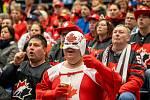 Juniorský hokej je v Kanadě velmi populární, ve sledovanosti většinou šampionát dvacítek předčí i seniorské mistrovství světa, které termínově koliduje s vyvrcholením sezony v NHL. A v Ostravě to bylo jasně vidět.