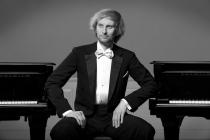 Klavírista Ivo Kahánek