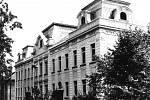 Archivní foto Sládečkovy ulice z roku 1991.