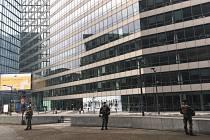 Bezpečnost je v Bruselu na prvním místě. Ozbrojení vojáci hlídají evropské instituce i jiné části města.