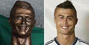 I busta Ronalda se stala terčem vtipů na internetu.