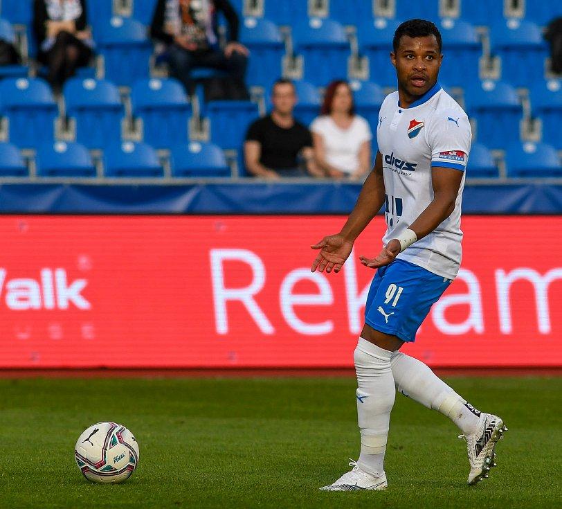 Fotbalisté Baníku Ostrava odehráli v sobotu 15. května 2021 utkání 32. ligového kola se Zlínem. Domácí záložník Dyjan Carlos De Azevedo.