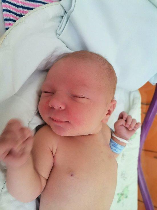 Sebastián Sageder z Karviné, narozen 14. července 2021 v Havířově, míra 54 cm, váha 4200 g. Foto: Michaela Blahová