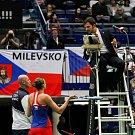 Utkání kvalifikace Fedcupového poháru Česká republika - Rumunsko, dvouhra, 9. února 2019 v Ostravě. Na snímku (zleva) nehrající kapitán Petr Pála, Karolína Plíšková.