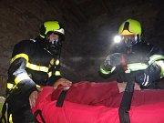 Cvičení hasičů na Cvilíně.