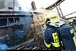 Požár v areálu dřevařského závodu v Hlučíně.