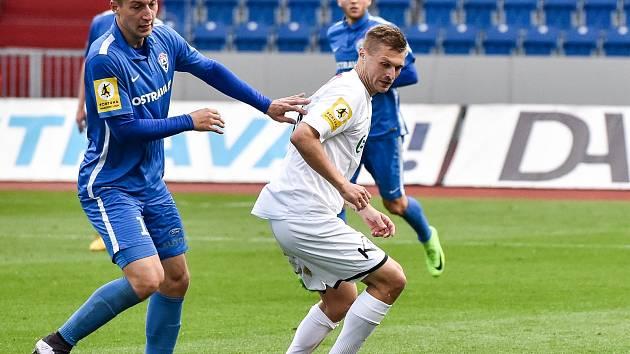 MAREK SZOTKOWSKI (vlevo) věří, že půlroční vítkovická snaha o záchranu druhé ligy bude úspěšná.