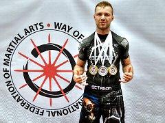 TŘI MEDAILE získal nedávno doma v Ostravě na mistrovství Evropy Jan Heindl.