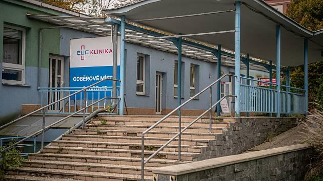 Odběrové místo COVID-19 v EUC Klinika v Porubě, 24. října 2020 v Ostravě.