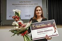 Oděvní návrhářka Darina Ermisová se stala vítězkou druhého ročníku soutěže Lady Business 2016.