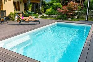 Je libo venkovní bazén?