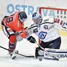 Utkání 4. kola hokejové extraligy: HC Vítkovice Ridera - HC Škoda Plzeň, 23. září 2018 v Ostravě. Na snímku (vlevo) Mahbod Samson a Miltchakov Mitja Dmitri.