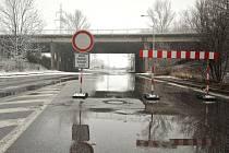 Rekonstrukce mostu v Rudné ulici omezila dopravu v Ostravě-Porubě