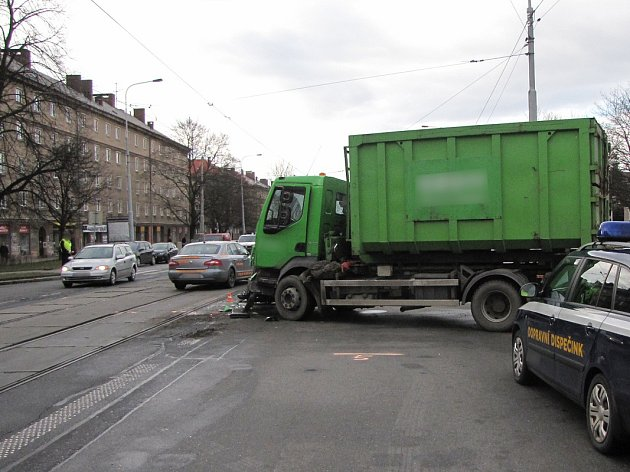 Dopravní nehoda v Ostravě-Porubě.