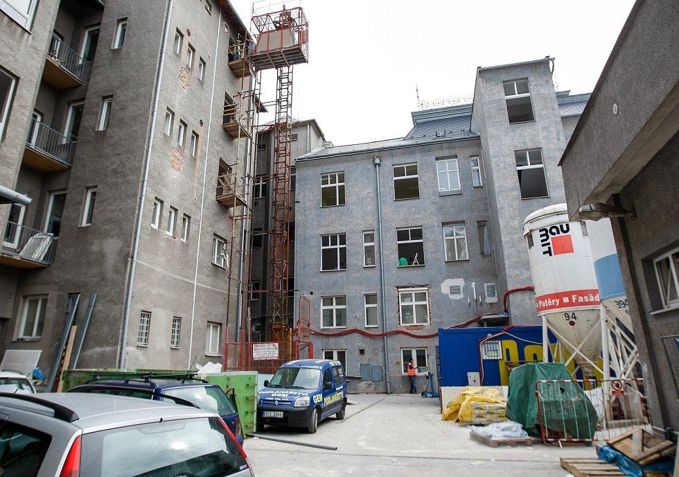 Rekonstrukce Divadla Jiřího Myrona v Ostravě. Ilustrační foto.