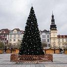 Vánoční strom na Masarykově náměstí, 27. listopadu 2018 v Ostravě.