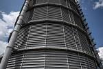 Odborná firma rozebere 84 metrů vysoký plynojem MAN který stojí na ulici 1. máje, snímek z 14. června 2021. Plynojem je už přes 10 let nevyužitý