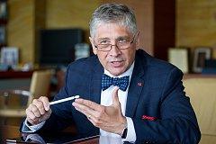 Ivo Vondrák, hejtman, poslanec, rektor.