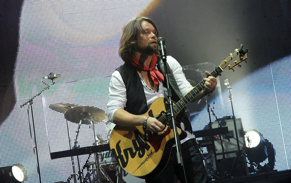 Na koncert skupiny Kryštof s jejím frontmanem Richardem Krajčem a speciálním hostem Jaromírem Nohavicou přišly tisíce jejich fanoušků.