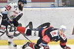 Utkání 46. kola hokejové extraligy: HC Vítkovice Ridera - Piráti Chomutov, 19. února 2019 v Ostravě. Na snímku (zleva) Jan Výtisk a Marjamaki Masi Jalmari.