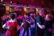 Ples seniorů v Ostravě.