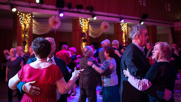 IV. ples senioru v ostravském Domě kultury Akord