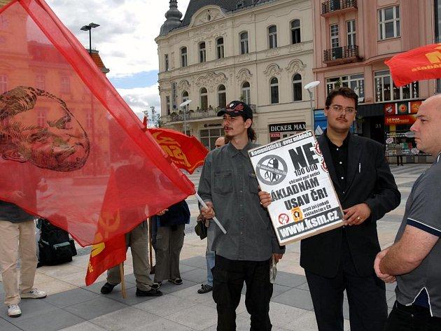 Mladí komunisté protestovali proti americké radarové základně