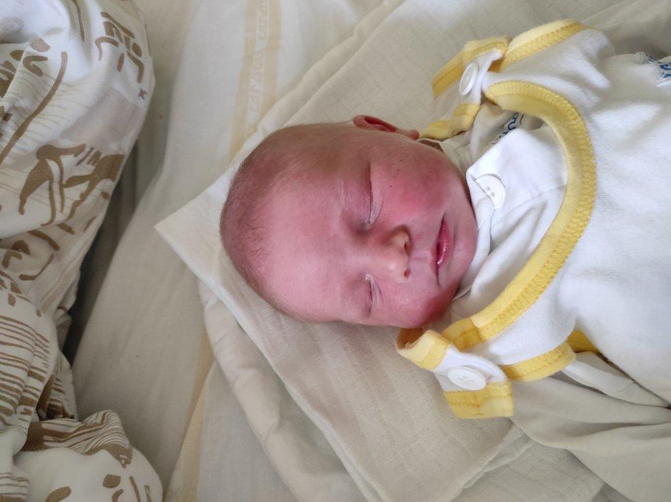 Matyáš Hanzelka, Libhošť narozen 17. dubna 2021 ve Frýdku-Místku míra 49 cm, váha 3390 g. Foto: Jana Březinová