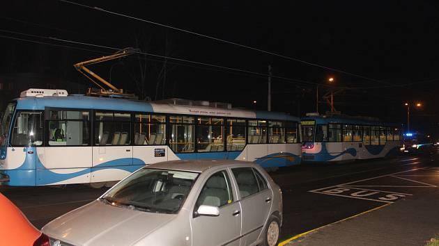Snímek ze srážky tramvají v Ostravě.