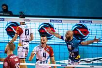 DŮVOD K RADOSTI. Ostravští volejbalisté vyhráli třetí čtvrtfinále v Liberci 3:0 a v sérii vedou 2:1 na zápasy. Snímek z druhého zápasu v Ostravě.