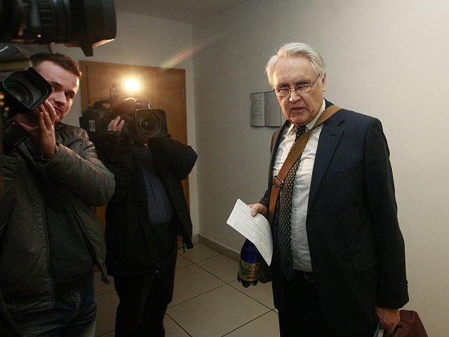 Jiří Lukeš kategoricky popřel, že by ostravskému primátorovi Tomáši Macurovi nabídl úplatek.